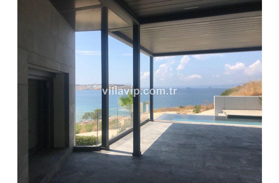 Ayasaranda'da Denize Sıfır Ultra Lüks Villa görseli