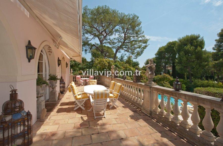 Cap Ferrat'ın Kalbinde Eşsiz Villa görseli