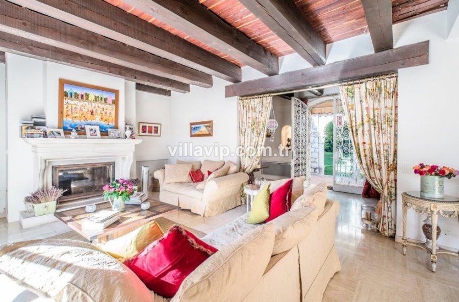 Cap Ferrat'ın En Güzel Yerinde Benzersiz Taş Ev görseli