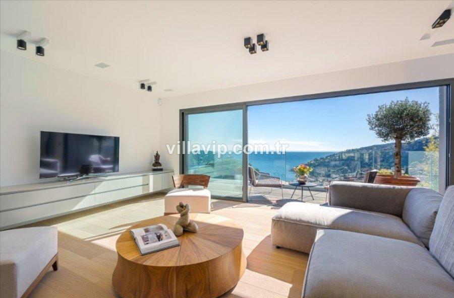 Villefranche Körfez Manzaralı Geniş Villa İmkanı görseli