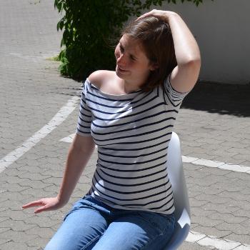 Rückenübung Nacken dehnen