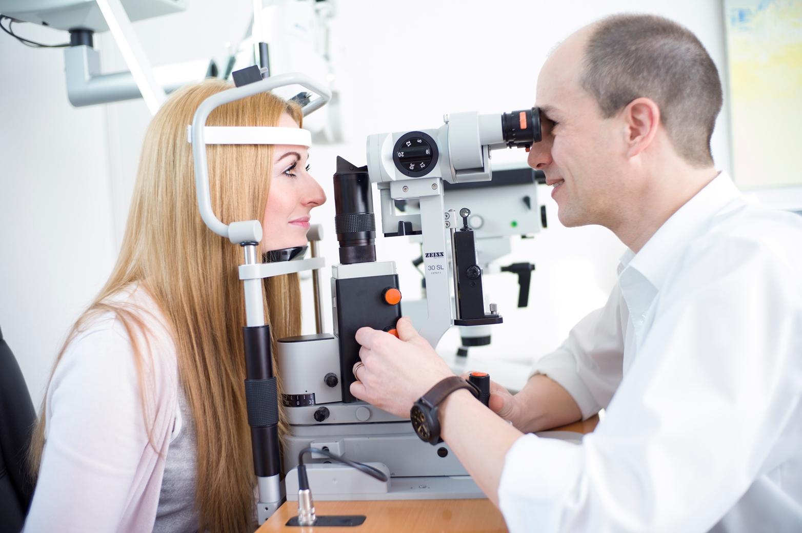 Augenuntersuchung Ralph Neuber Augenzentrum Köln