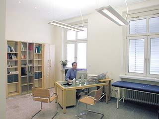 Sprechzimmer Dr. Juraj Galan Hausarzt Mainz