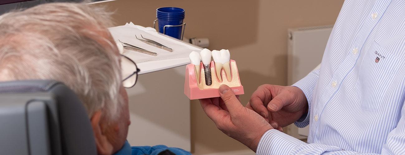 Implantologie Zahnarztpraxis Zahnärzte im Schloss Berlin-Steglitz