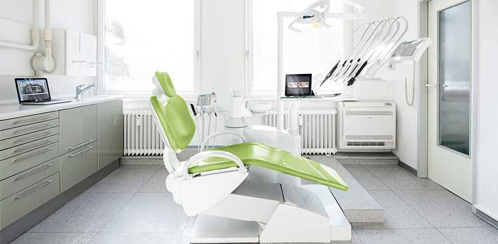 Behandlungsraum Zahnarztpraxis DentalPraxisplus Hamburg Blankenese