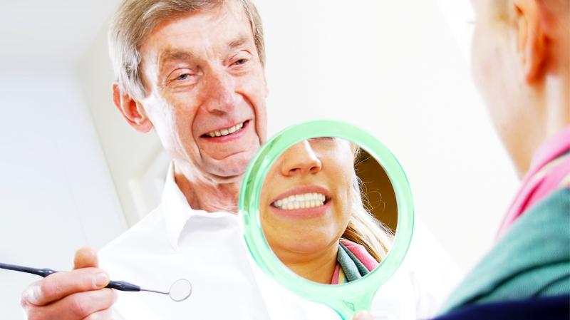 Zahnarzt Burghardt Zimny Behandlung