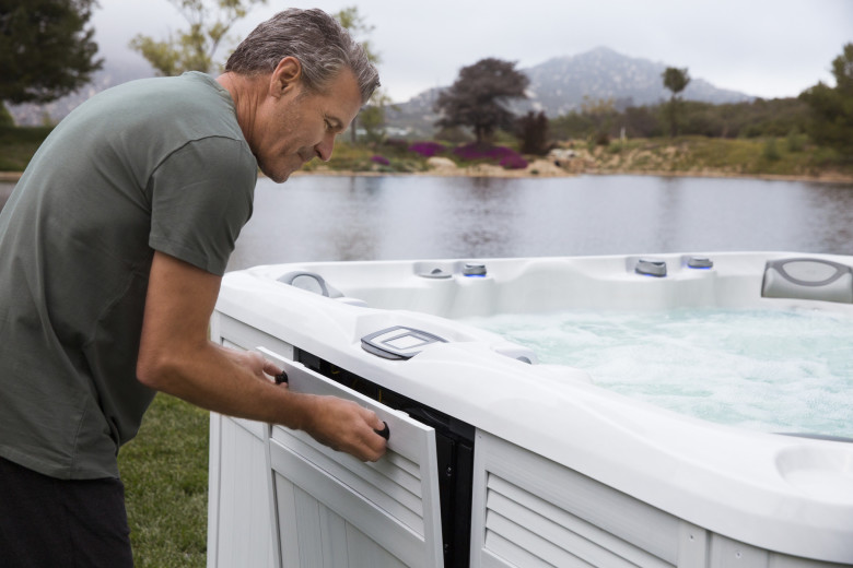 Hot Tub Maintenance : Keep your hot tub clean and healthy