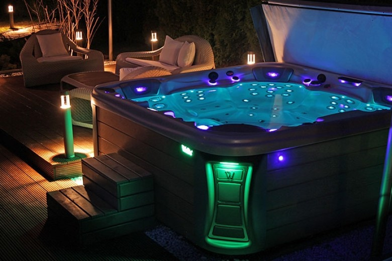 Ex Demo Hot Tubs for Sale, Cardiff, Bristol - Dreamspas Ltd