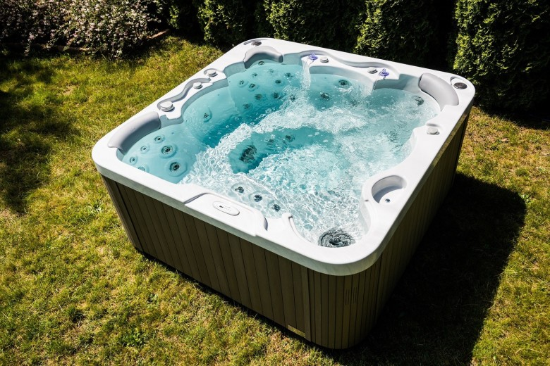 How to decide where to position your hot tub