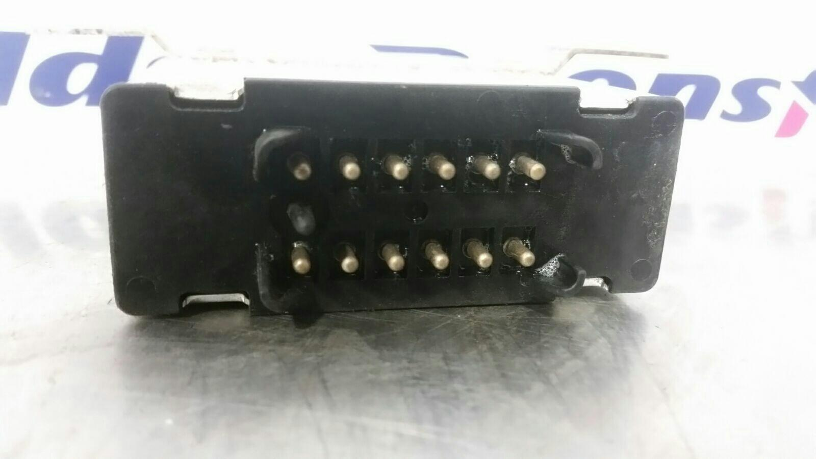 View Auto part Misc. Relay Mercedes S Class 1989