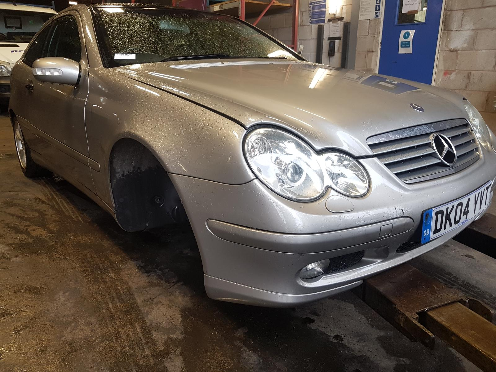 View Auto part Sunroof/Roof Glass/T Mercedes C Class 2004