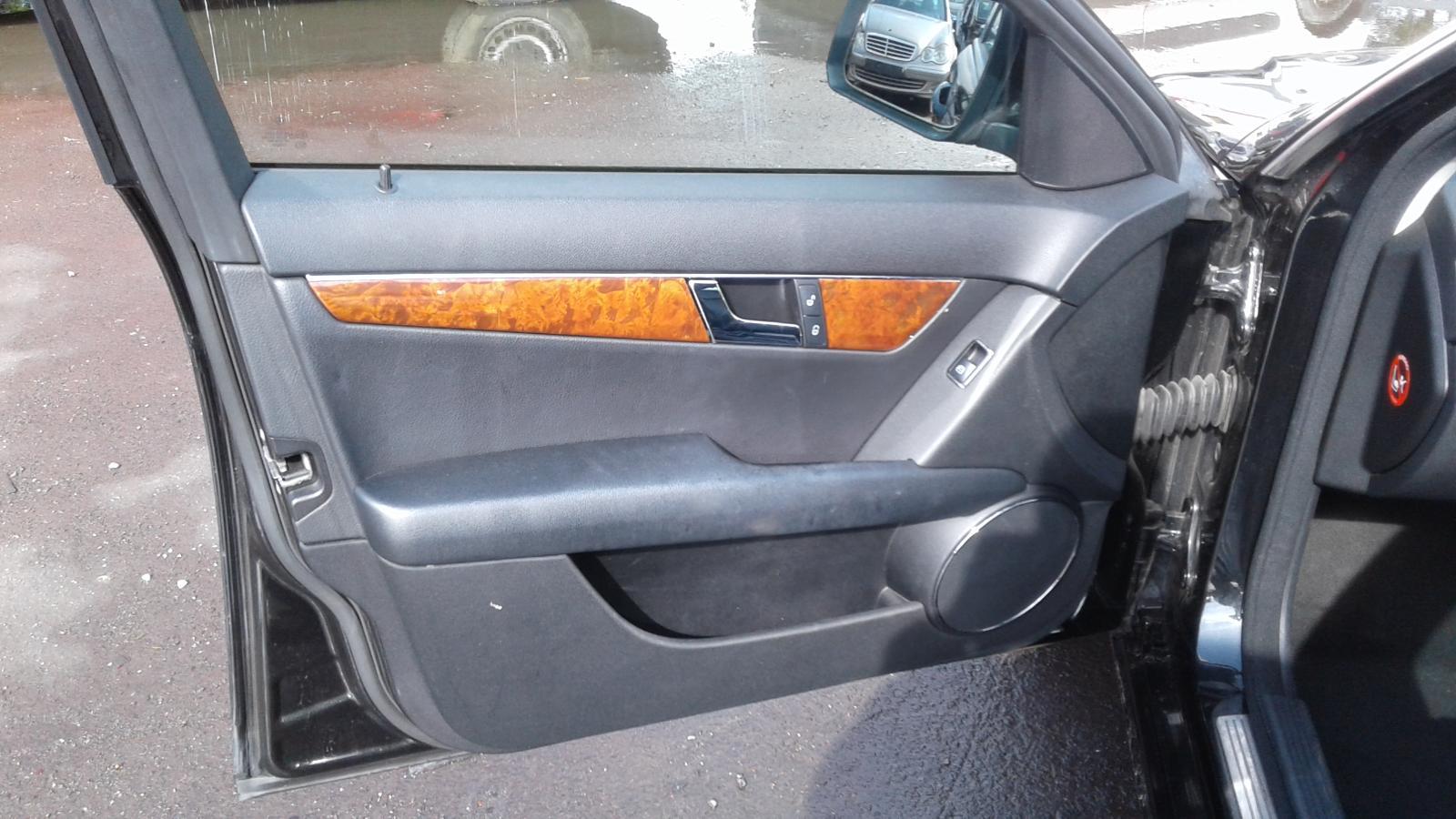 View Auto part Injection Rail Mercedes C Class 2008