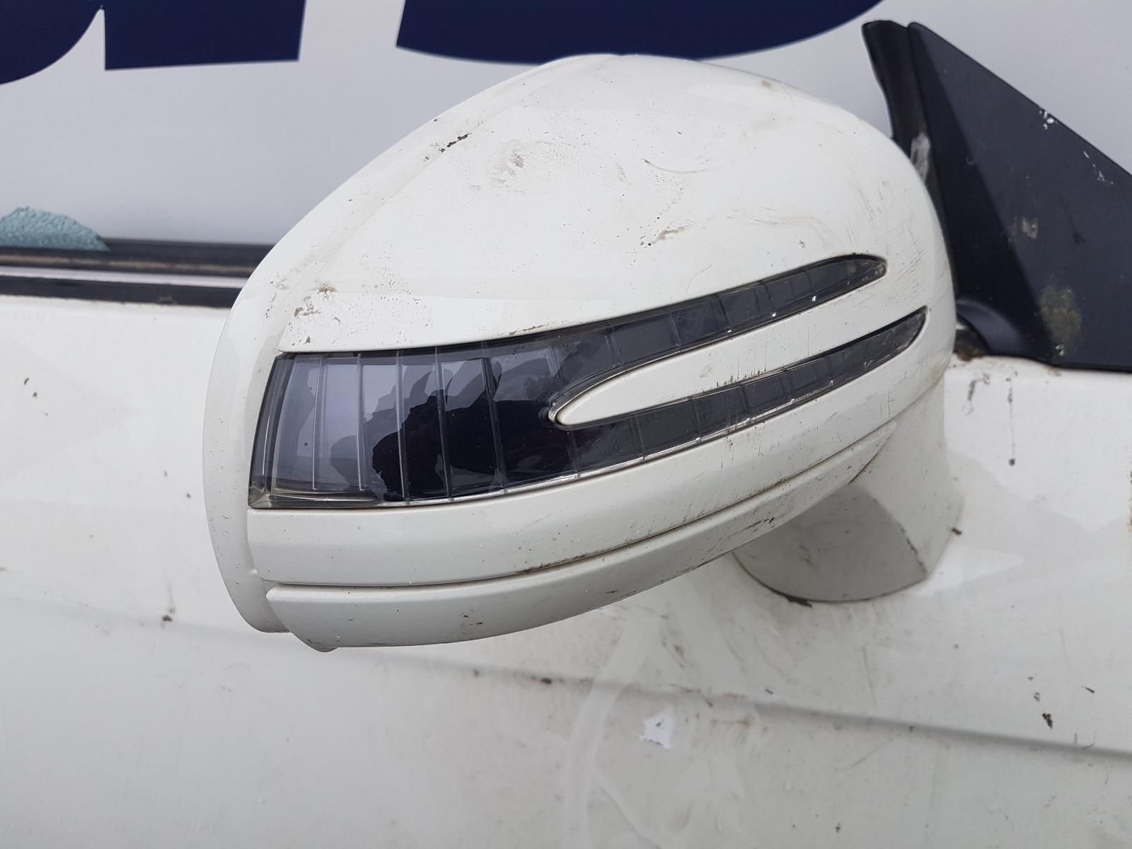 View Auto part L Wing Mercedes Slk 2012