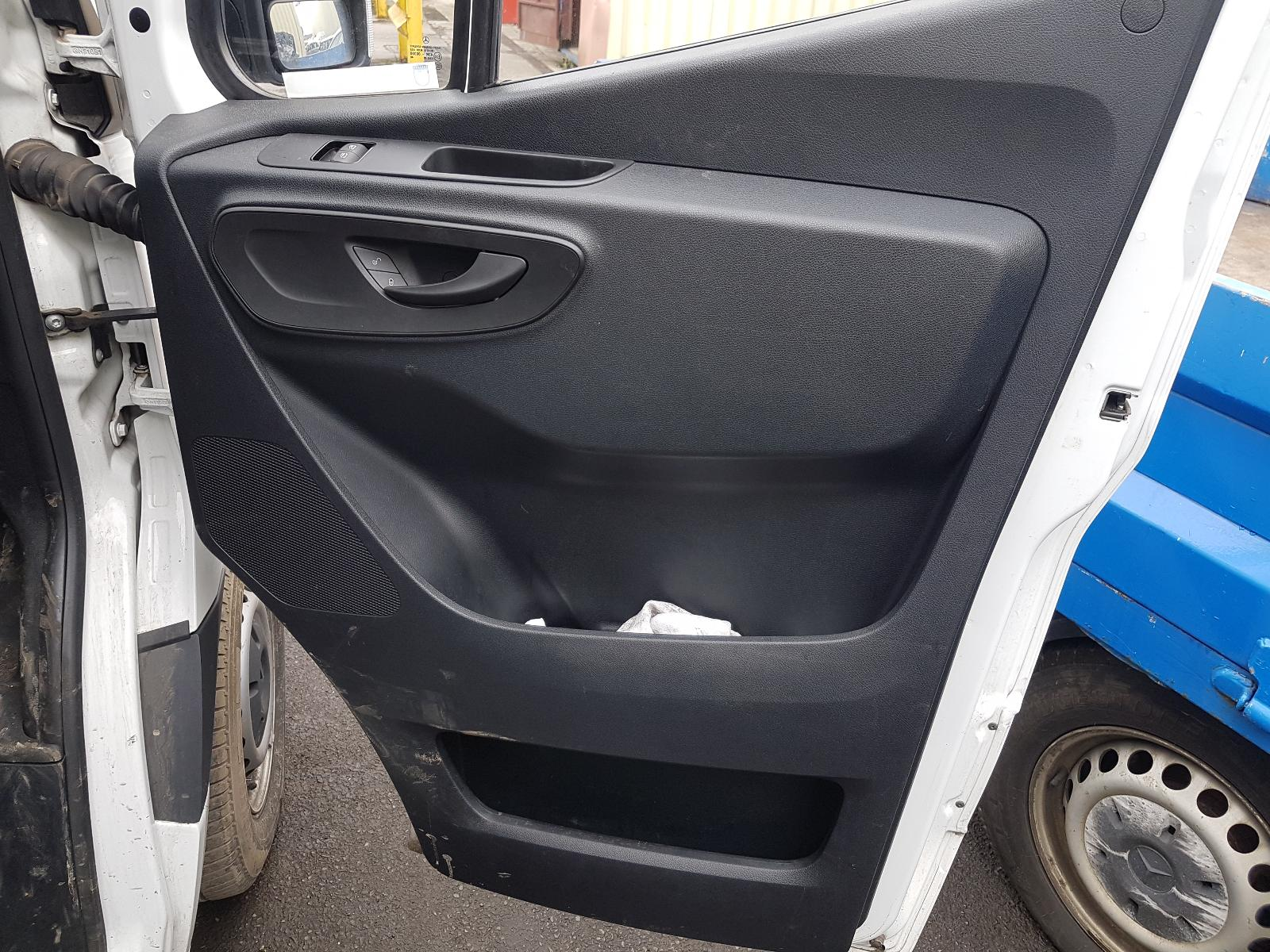 View Auto part Fuel Tank Mercedes Sprinter 2019