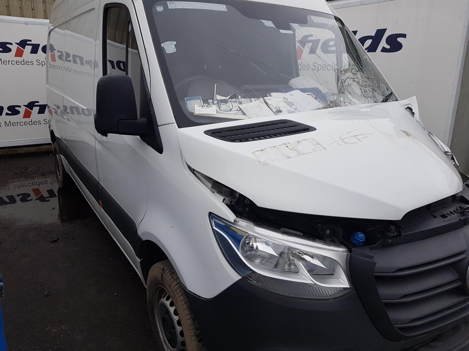 View Auto part Fuel Filler Flap Mercedes Sprinter 2019