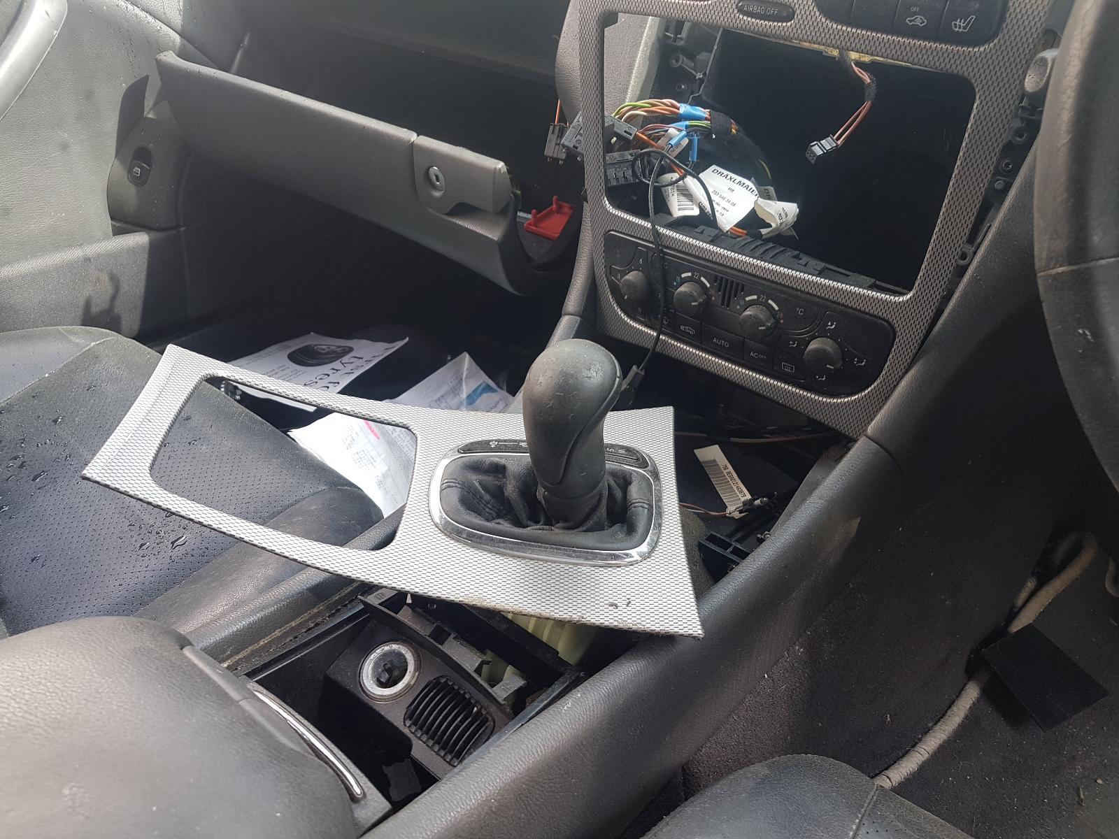 View Auto part Fuse Box Mercedes C Class 2003