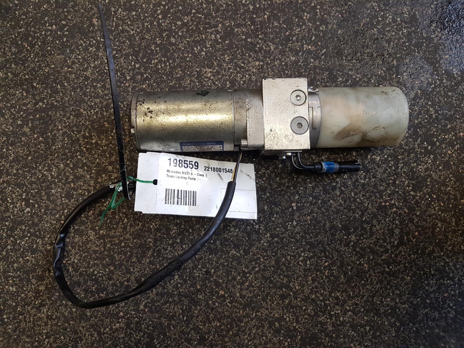 View Auto part Central Locking Vacuum Pump Mercedes S Class 2007
