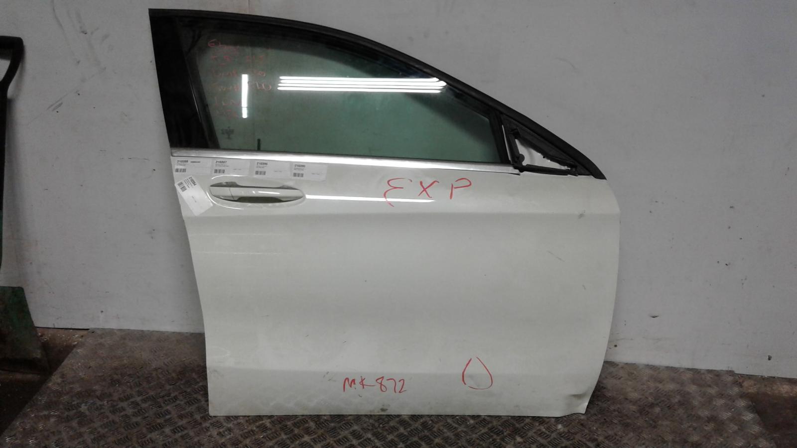 View Auto part RF Door Window Mercedes Gla Class 1900