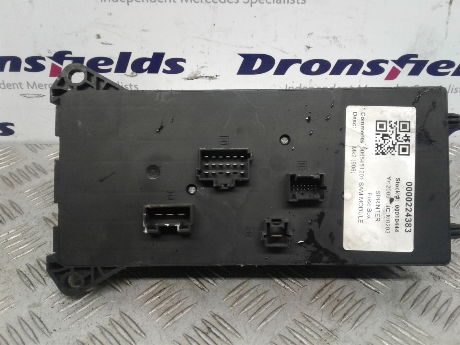 View Auto part Fuse Box Mercedes Sprinter 2009