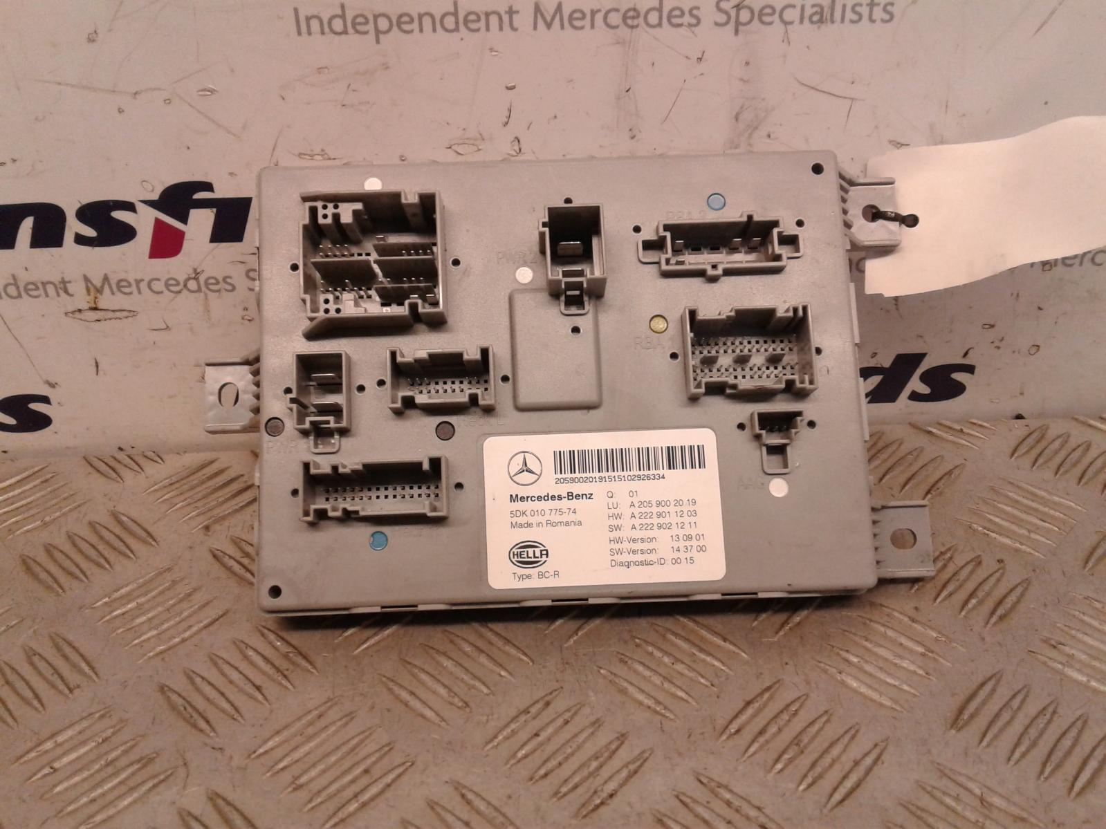 View Auto part Fuse Box Mercedes C Class 2015