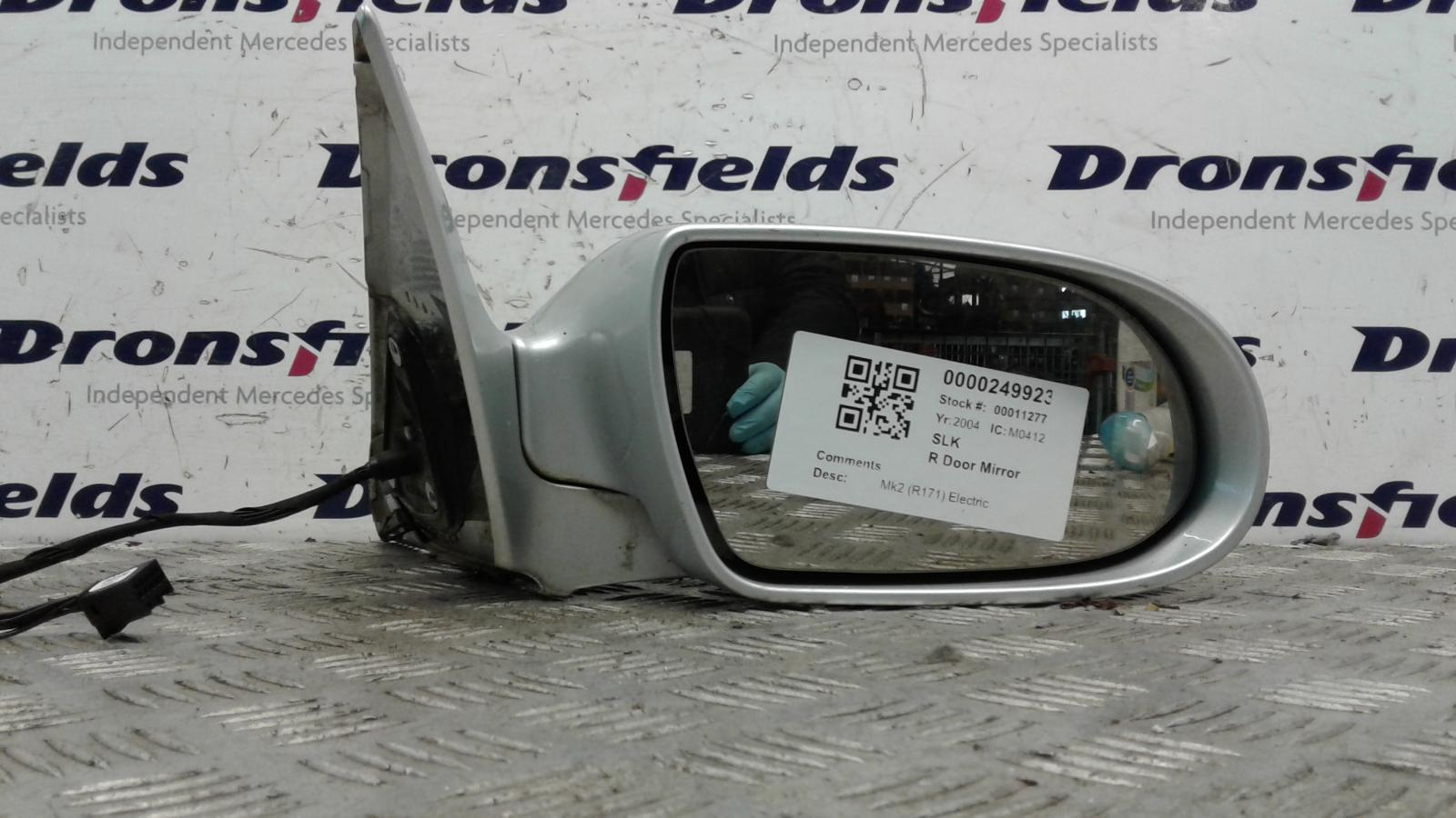 View Auto part R Door Mirror Mercedes Slk 2004