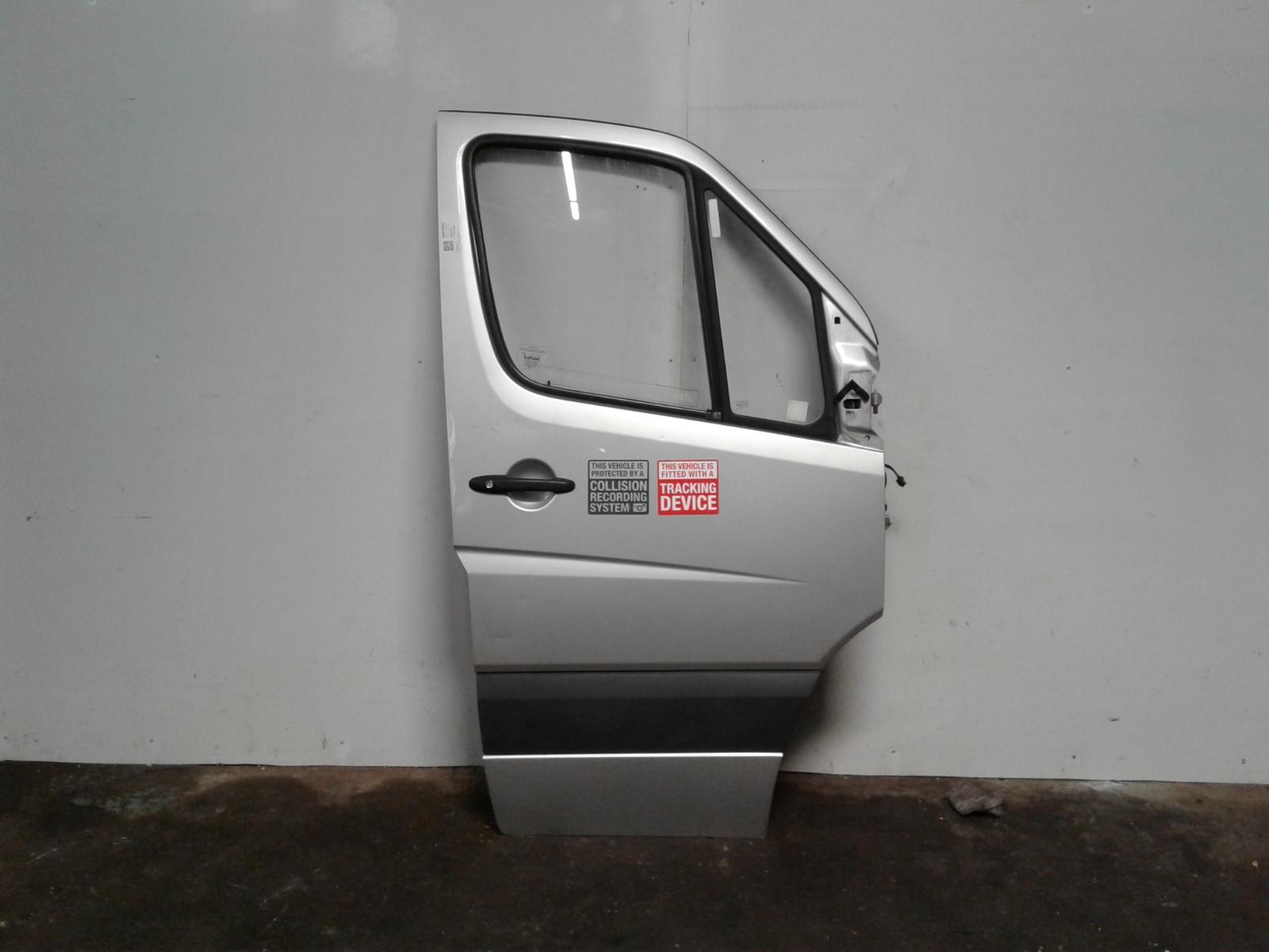 View Auto part R Front Door Mercedes Sprinter 2014