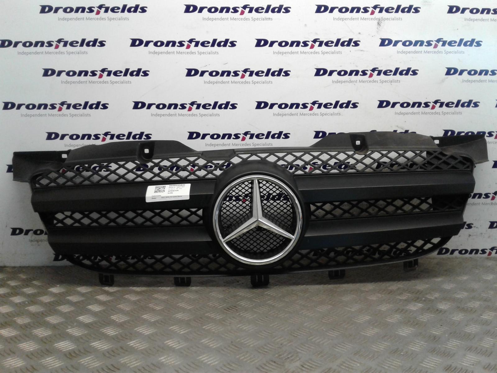 View Auto part Grille Mercedes Sprinter 2013