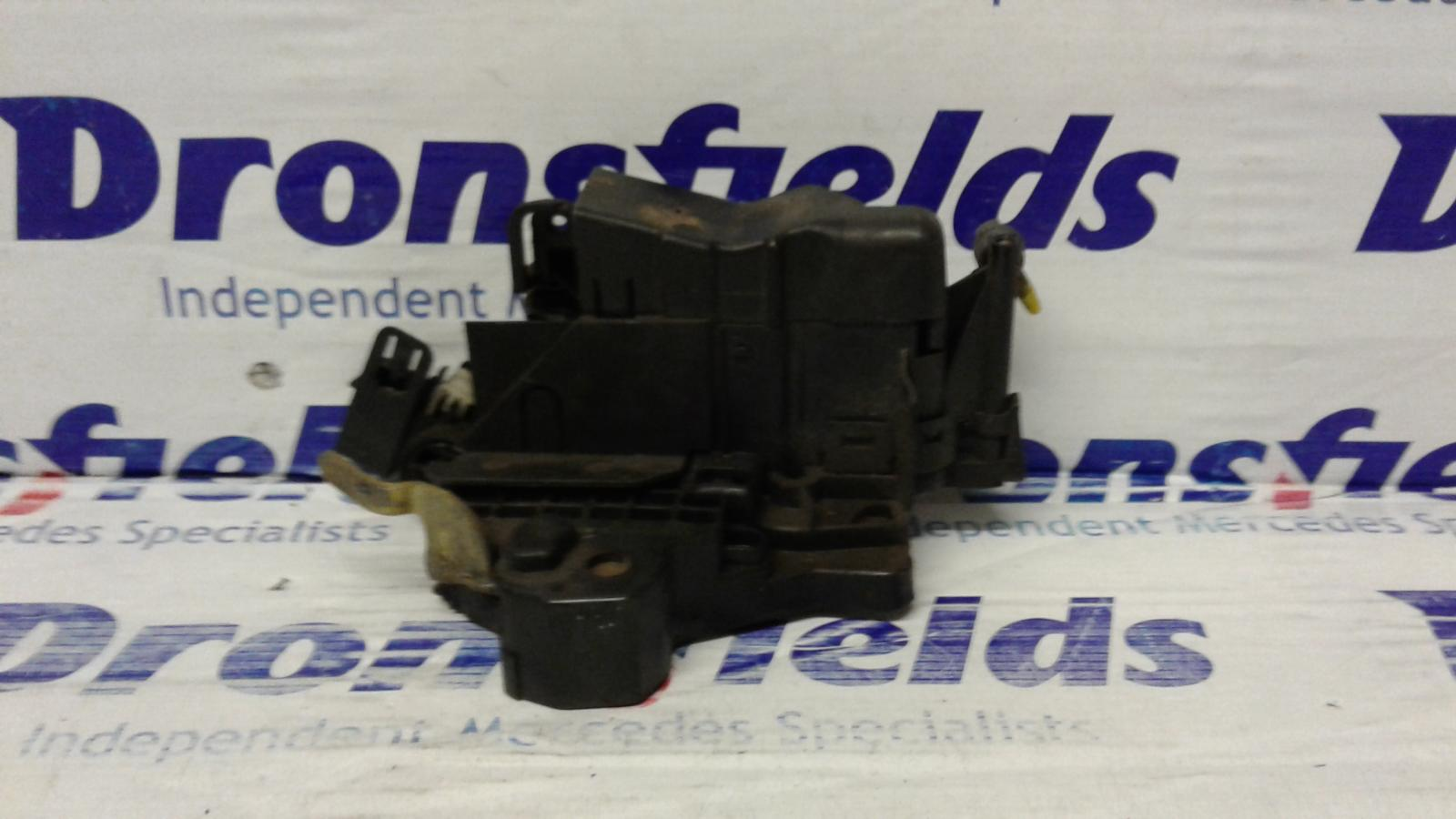 View Auto part Door Lock Assembly Mercedes C Class 2000