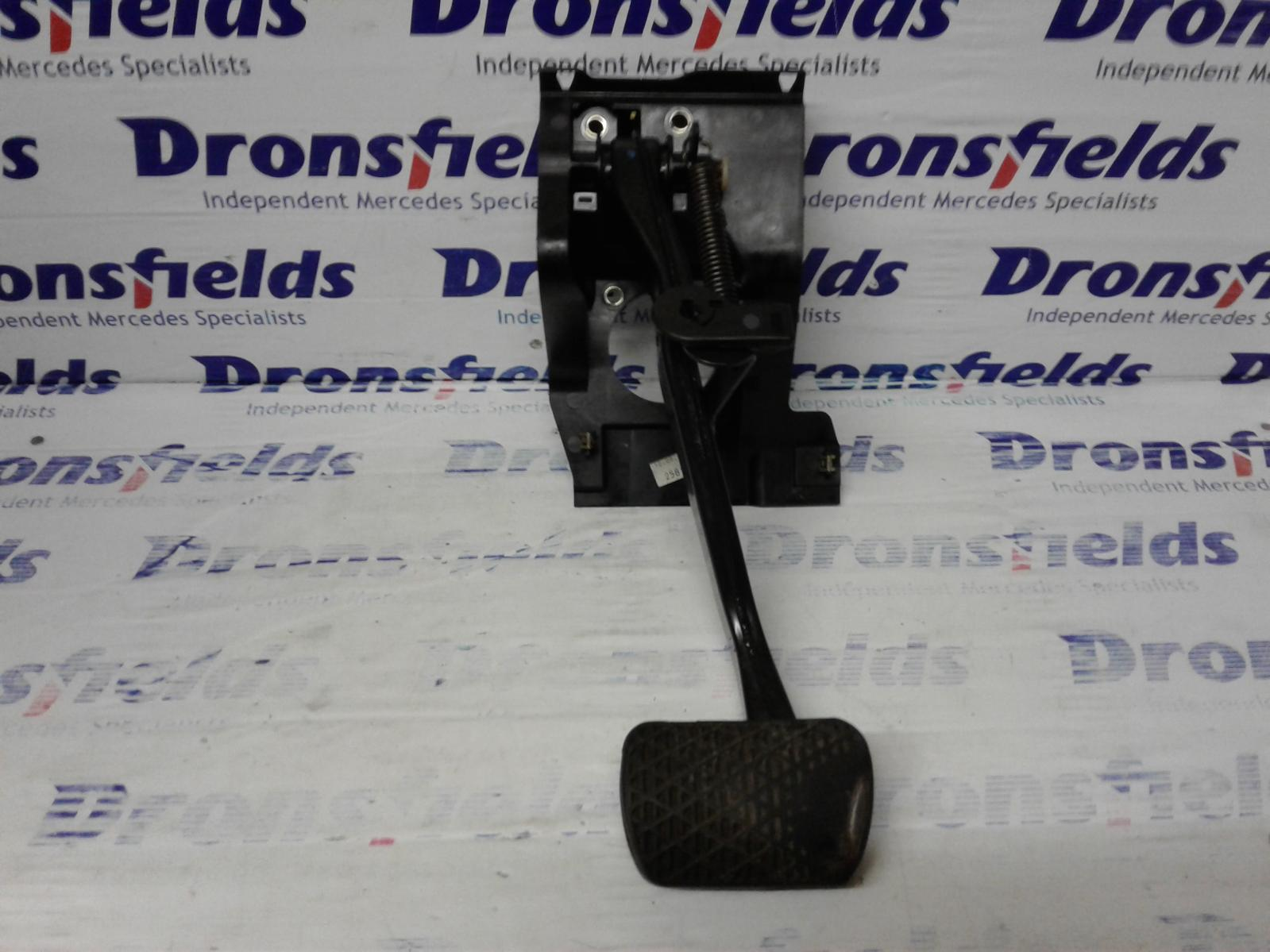View Auto part Brake Pedal Mercedes C Class 2005