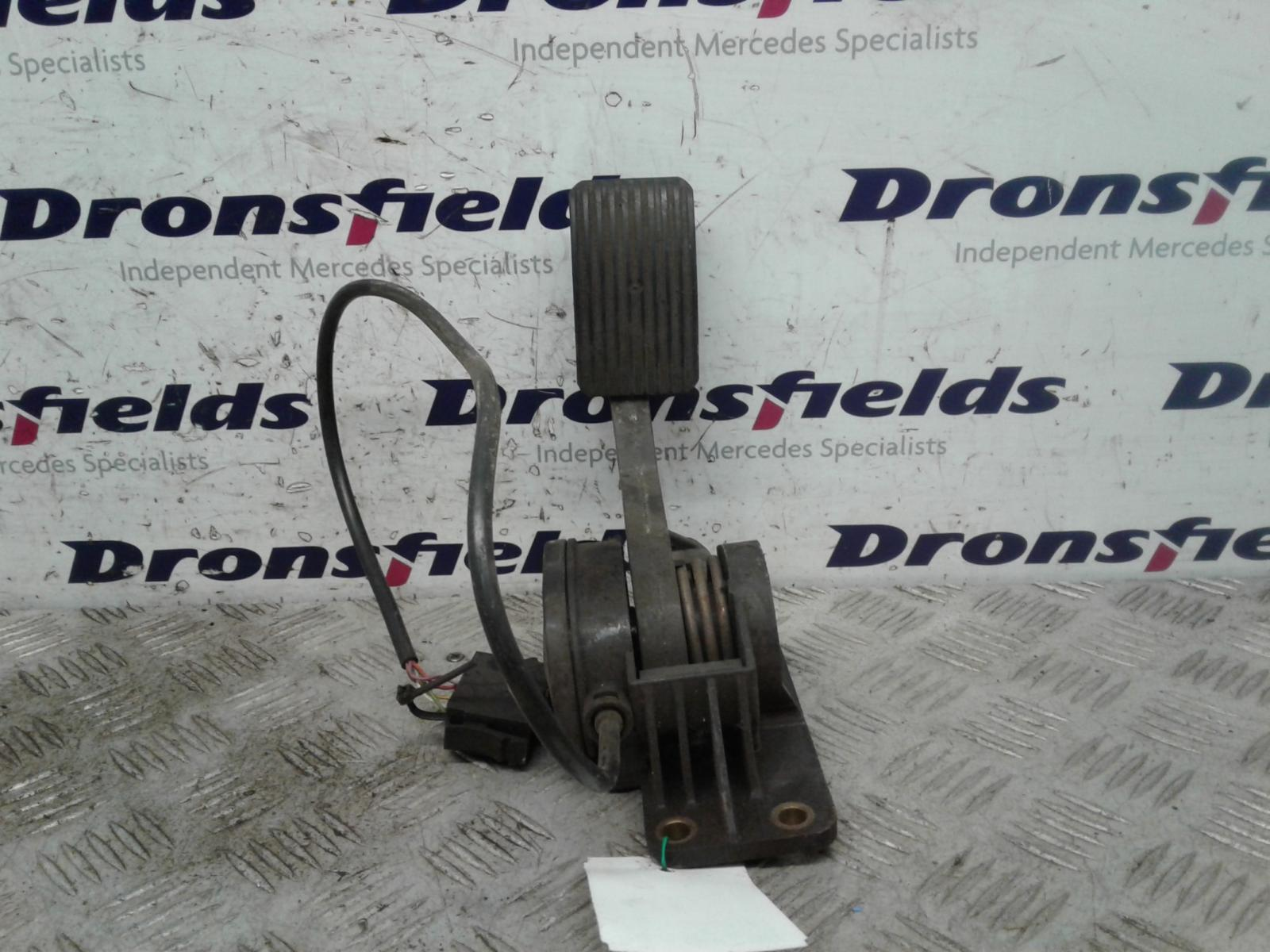 View Auto part Pedal Potentiometer Mercedes Vario 1997