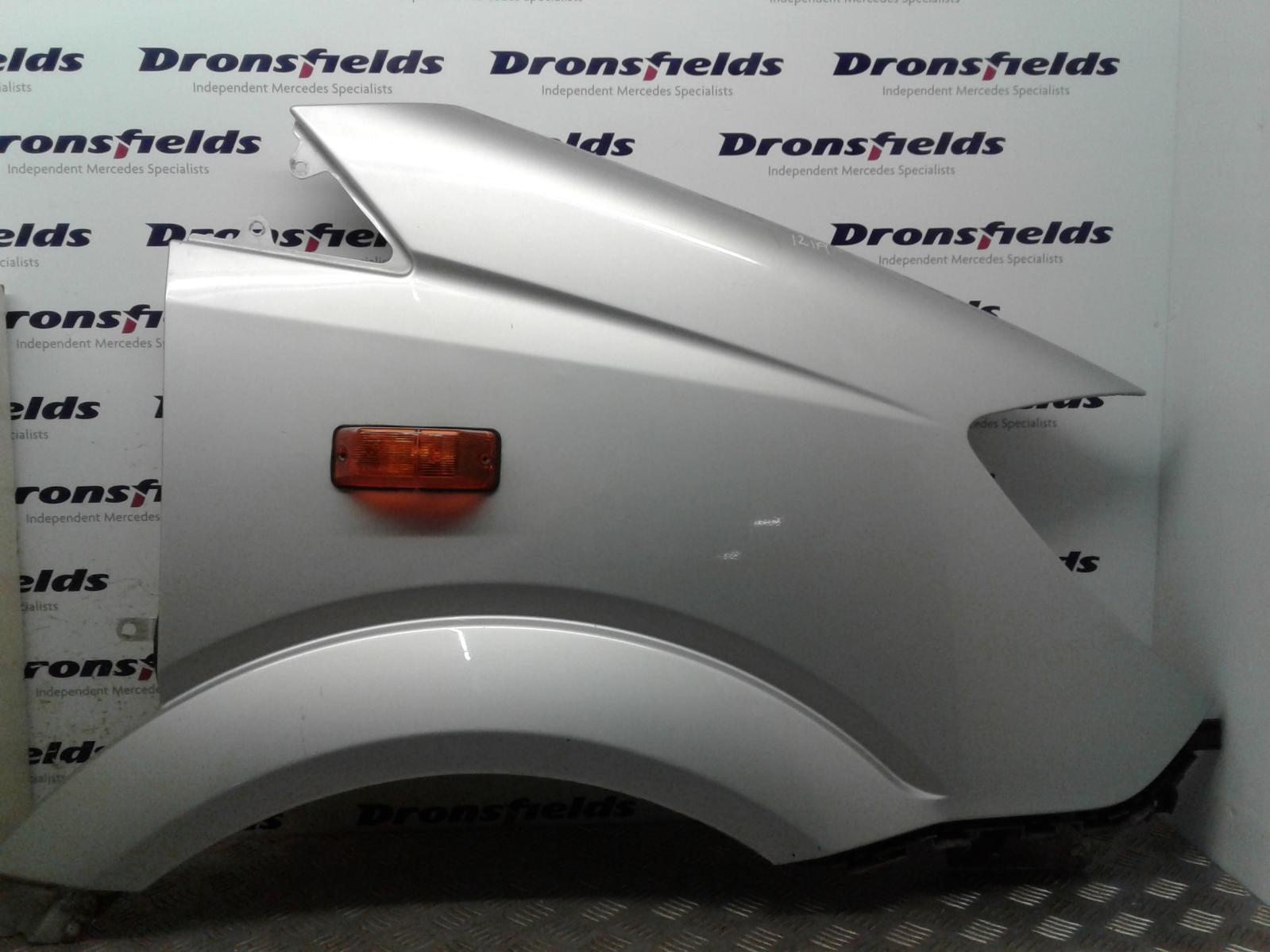 View Auto part R Wing Mercedes Sprinter 2014