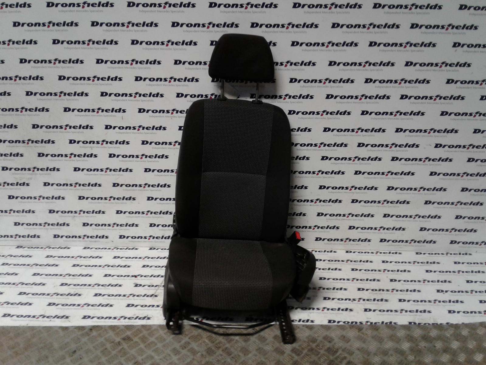 View Auto part Front Seat Mercedes Sprinter 2009