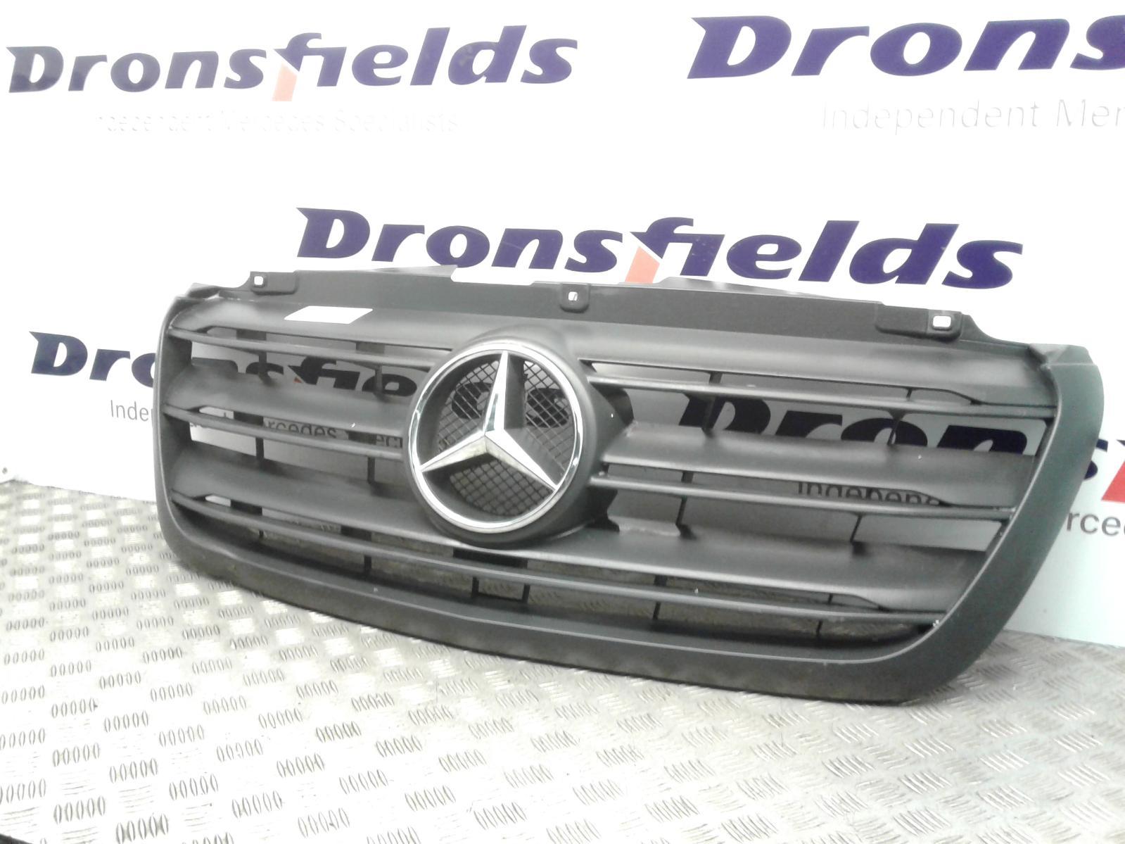 View Auto part Grille Mercedes Sprinter 2019