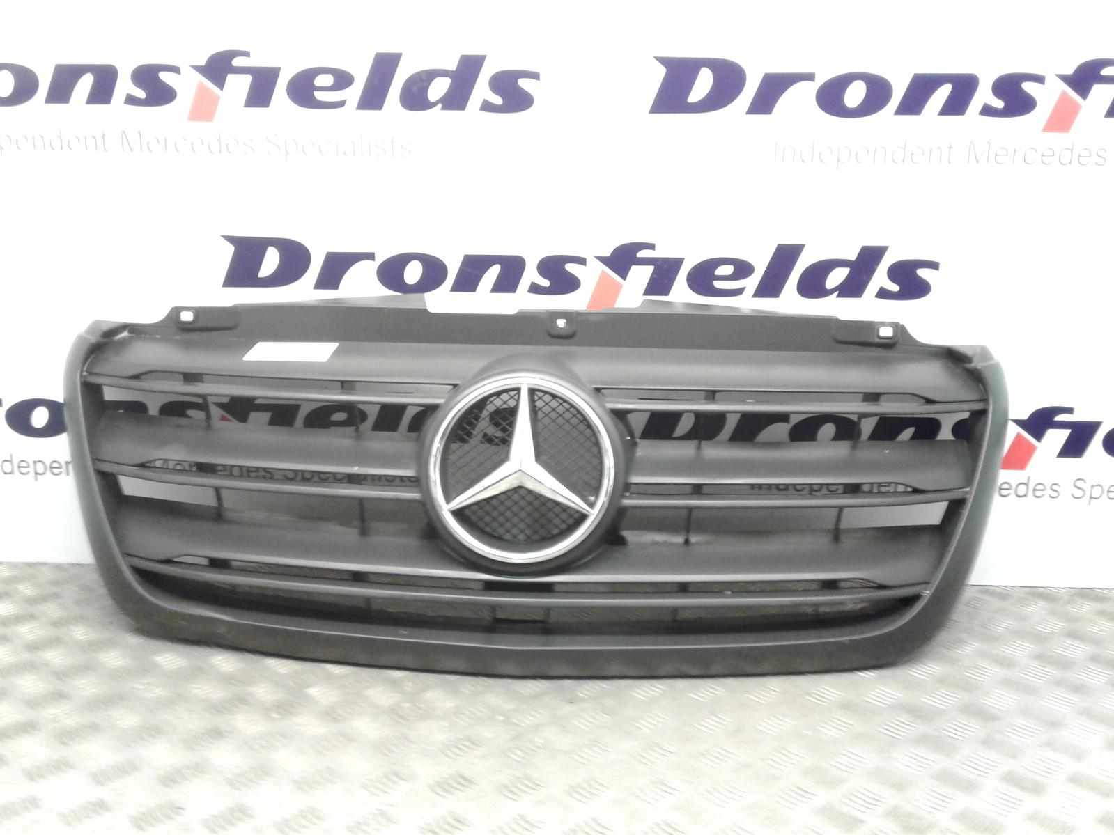 View Auto part Grille Mercedes Sprinter 2019