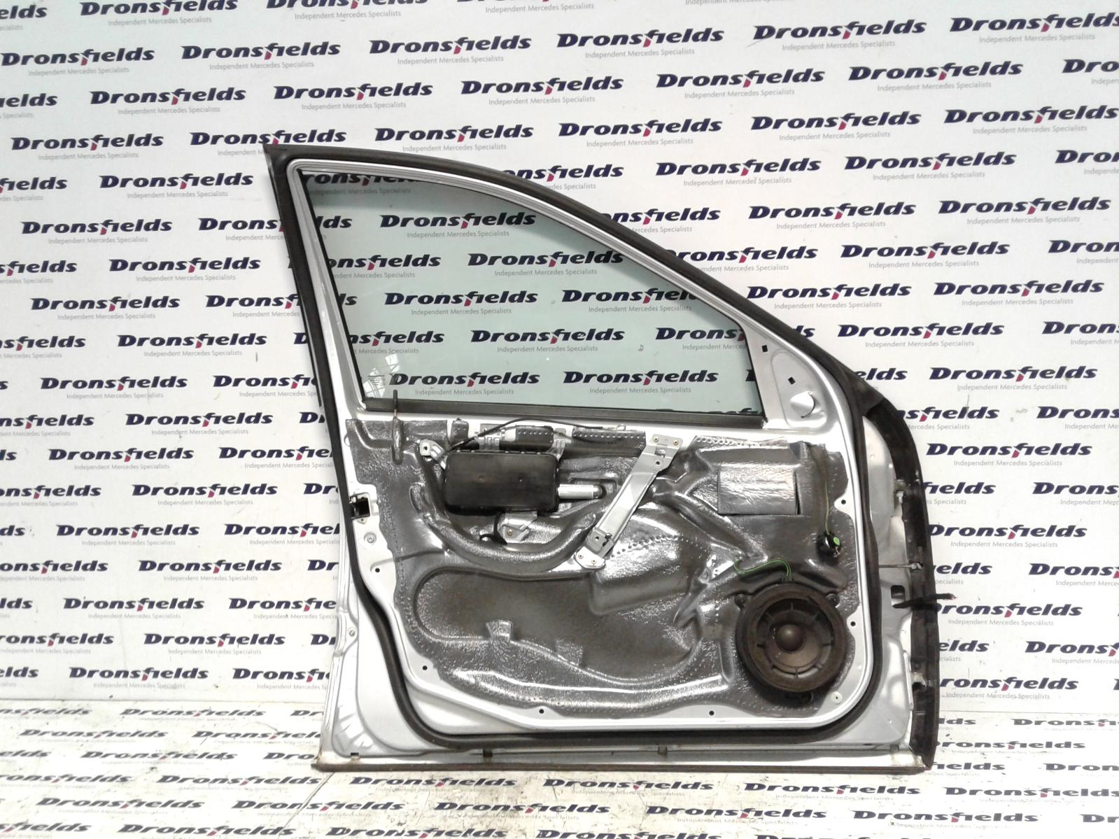 View Auto part Door Lock Assembly Mercedes C Class 2006