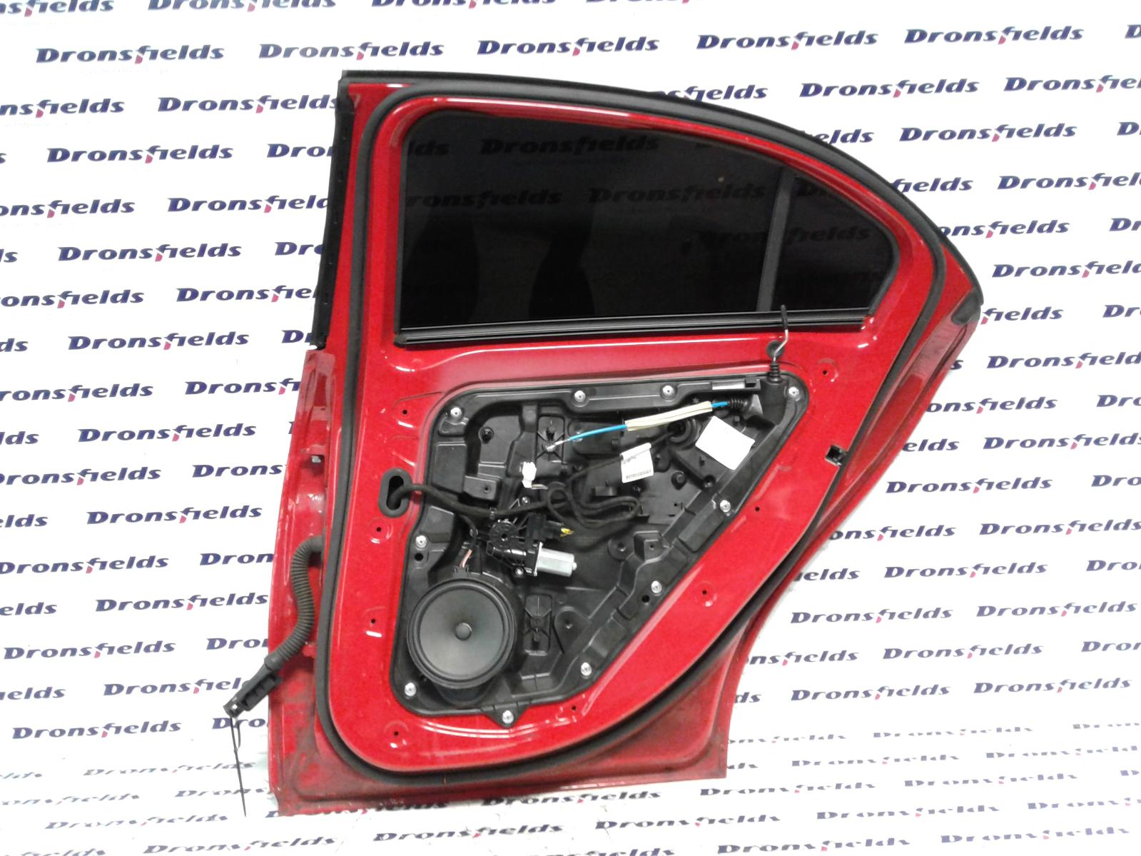 View Auto part R Rear Door Mercedes A Class 2014