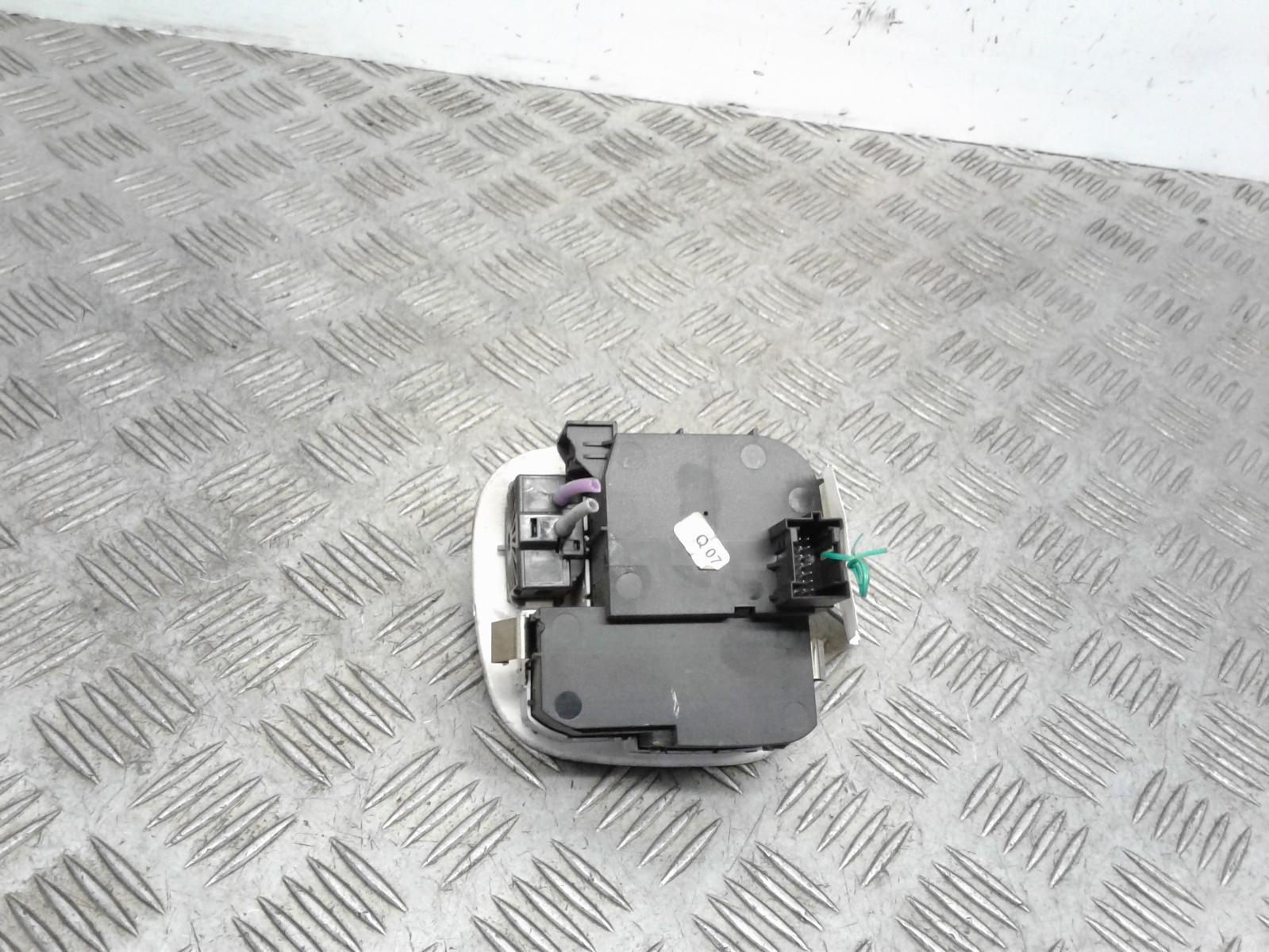 View Auto part Headlight Switch Mercedes C Class 2004
