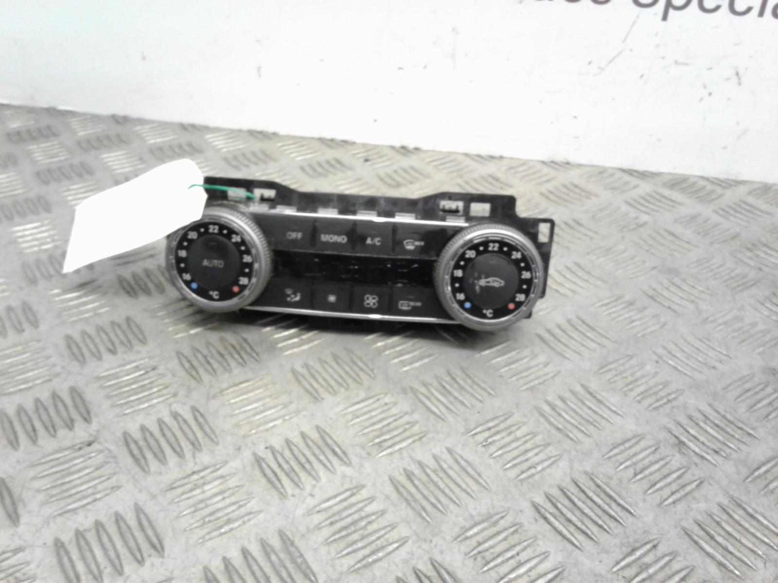 View Auto part Heater/AC Controller Mercedes C Class 2008