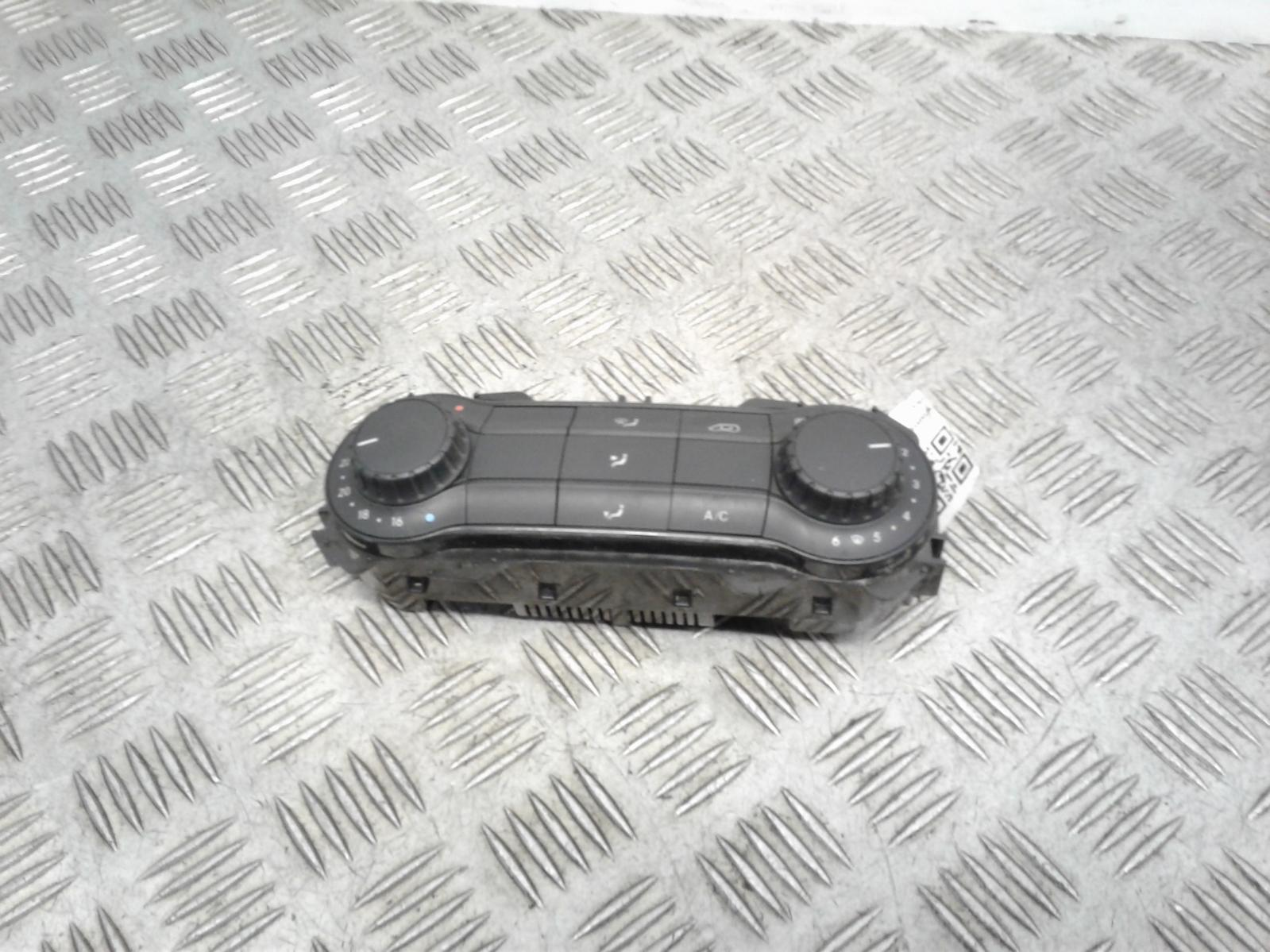 View Auto part Heater/AC Controller Mercedes Vito 2016