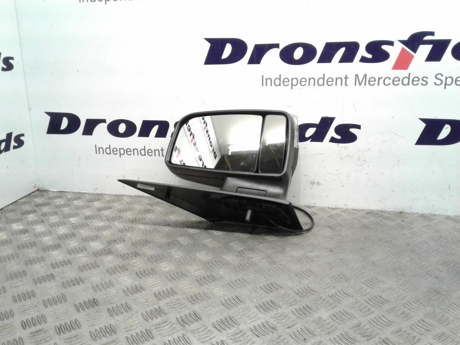 View Auto part R Door Mirror Mercedes Sprinter 2014