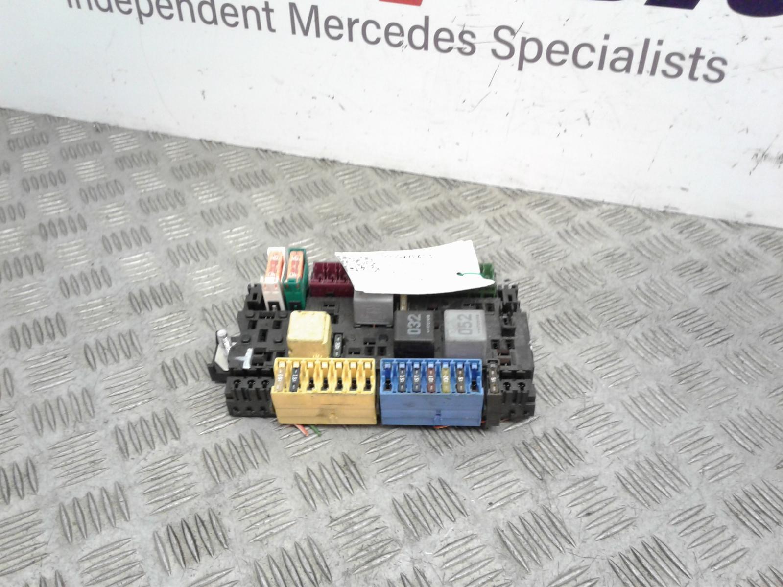 View Auto part Fuse Box Mercedes Vito 2018
