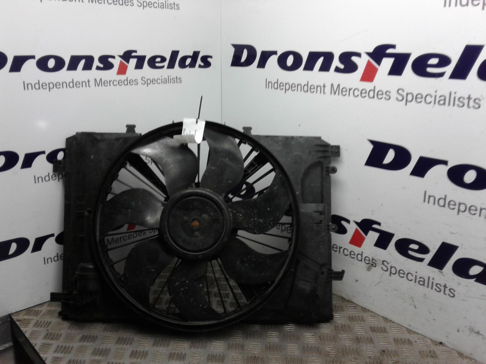 View Auto part Engine Cooling Motor Mercedes C Class 2014