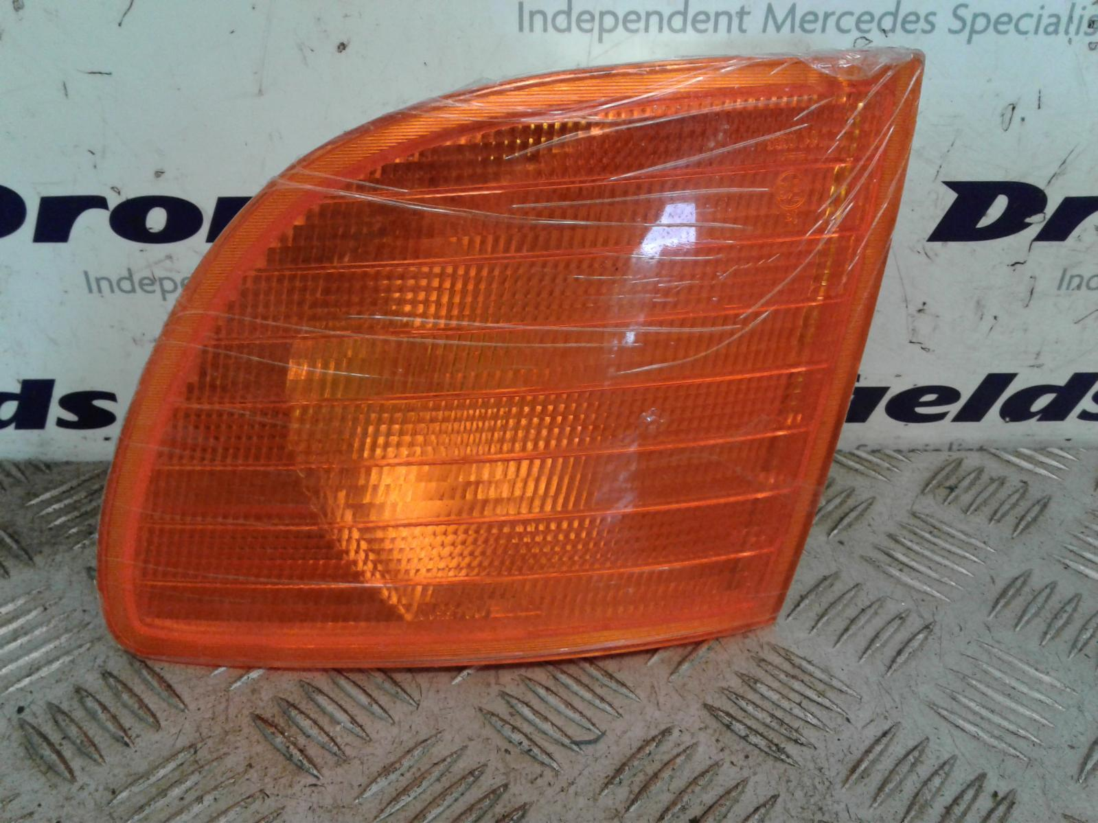 View Auto part L Indicator Light Mercedes Vito 1900