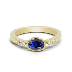 18ct Yellow Gold Blue Sapphire & Diamond Vintage Engagement Ring 0.04ct 2.5mm image 0