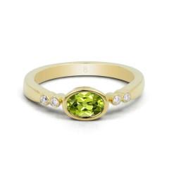 18ct Yellow Gold Peridot & Diamond Vintage Engagement Ring 0.04ct 2.5mm image 0