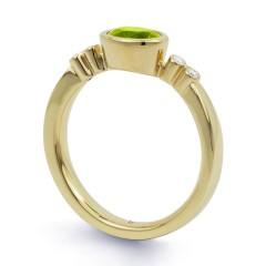 18ct Yellow Gold Peridot & Diamond Vintage Engagement Ring 0.04ct 2.5mm image 1