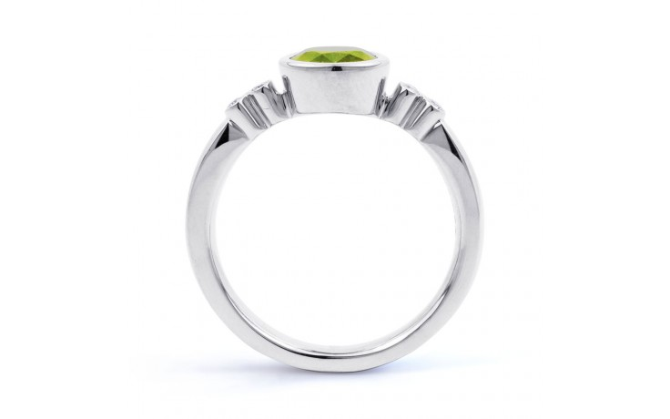 Peridot Vintage Birthstone Ring product image 3