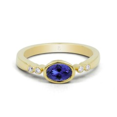 18ct Yellow Gold Tanzanite & Diamond Vintage Engagement Ring 0.04ct 2.5mm image 0
