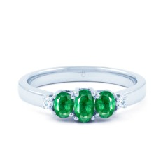 18ct White Gold Emerald & Diamond Three Stone Ring 0.04ct 2.5mm image 0
