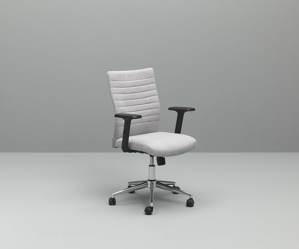 Rotelle Per Sedia Da Ufficio.Poltrona Da Ufficio Con Rotelle Ghat Grigio Chiaro Di Twist Design